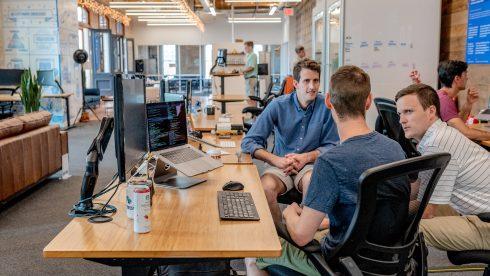 Zakelijk succes is direct verbonden aan de Digital Employee Experience